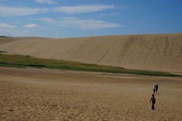 <p>พอจะเห็นวี่แววของแม่น้ำที่พัดทรายมา</p>