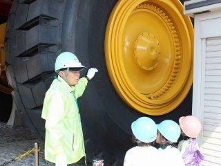 실제로 남미 광산에서 사용되던 트럭들이 이곳에 전시되어 공개되고 있다