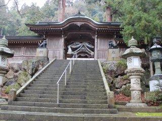 大滝神社の神門