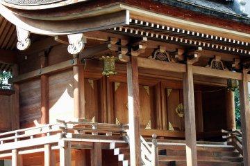성터에 서 있는 후쿠이의 시바타 신사(柴田神社)