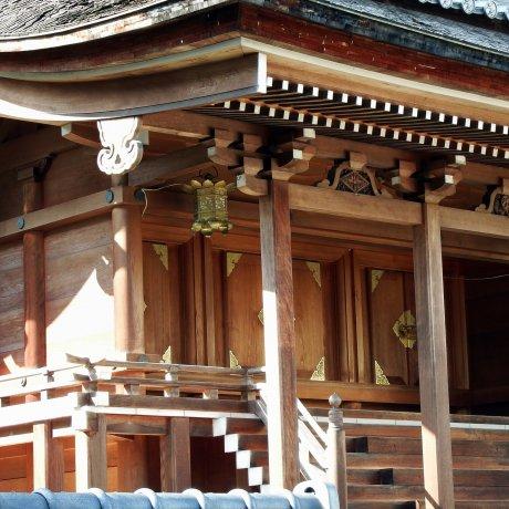 Shibata Shrine inside Castle Ruins