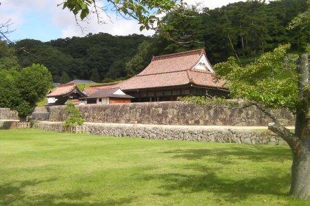 일본의 최초 학교: 시즈타니