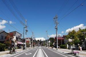 Toto, chúng ta không còn ở Tokyo nữa: con đường chính từ nhà ga Karuizawa