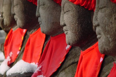 Знаменитые статуи Рокудзидзо в Камакуре