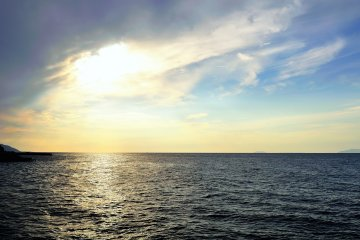 <p>Futami Seaside Park ในภูมิภาคเอะฮิเมะ (Ehime) : หนึ่งใน 100 สถานที่สำหรับชมพระอาทิตย์ตกดินในญี่ปุ่น</p>