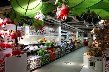 <p>Отдел, продающий детские плюшевые игрушки</p>