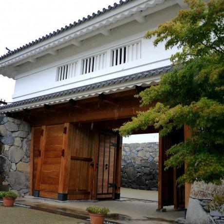 Re-building Kofu Castle