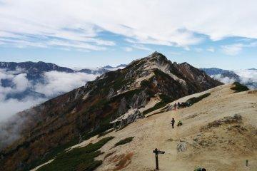 Pegunungan Tsubakuro via Enzanso