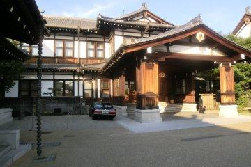 Main entrance of Nara Hotel