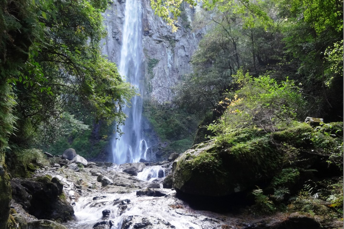 The Higashi Shiiya Waterfall thunders 85 meters from the top of the cliff to the pool below