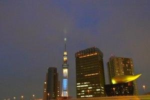 Tokyo Skytree pada malam hari