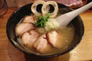 효고의 최고 라멘: 나고미