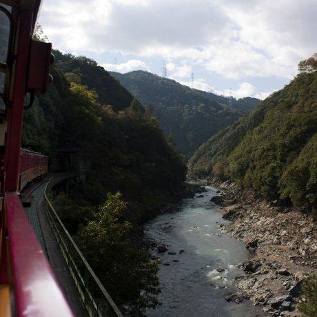 รถไฟสาย Sagano Romantic Train