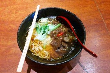 HIGOMESHIYA YUMEAKARI (肥後めしや 夢あかり)