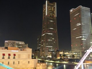 Night view from 'see through' gondola - photo taken during the ride - Yokohama Landmark Tower