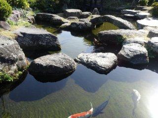 The street's rest area/info plaza boasts a lovely Japanese garden