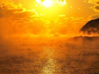 自分もこの海霧に何度か包まれたが、その度周囲が見えなくなる