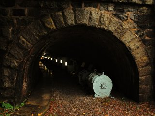 This small tunnel has become the exhibition hall of copper conveyer equipment used in the Tonaru district