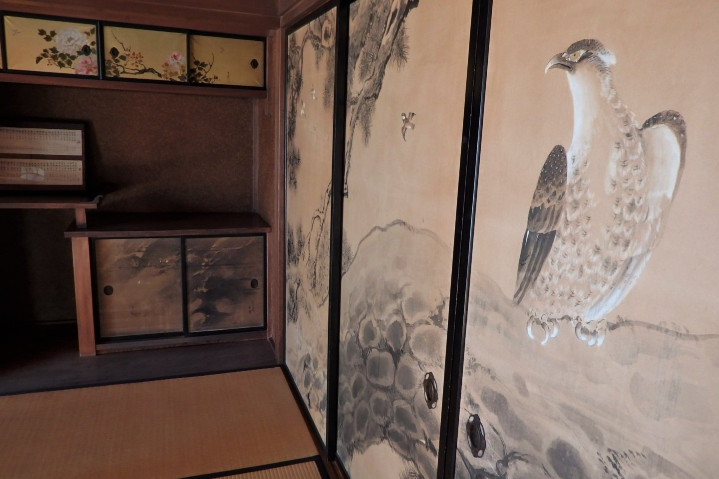 The painted fusuma within the former dental clinic are especially impressive.