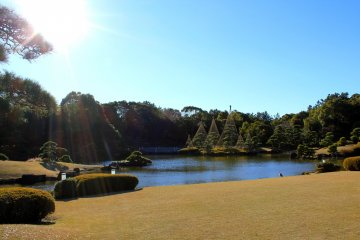 <p>A breathtaking view of the pond and garden from Shouraitei teahouse</p>