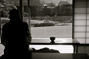 Inside Shouraitei teahouse and the view. Enjoy a cup of tea & confection for 500yen.