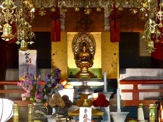 Bức tượng Phật Dược Sư ở đền Osen-ji
