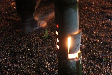 생의 맹종죽으로 만든 수제등. 안에는 촛불이다
