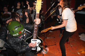 You probablye won't see that on The Kills concert! Atomic Superplex at UFO Club
