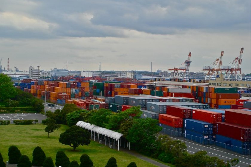 Yokohama Port is home to 263 berths with 37559 ships arriving a year. It is one of the busiest ports in the world, consistently ranking in the top 25-30 ports worldwide