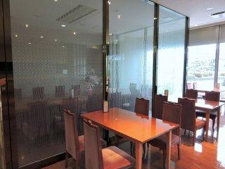 Внутри кафе отеля