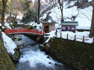 参道の南を流れる永平寺川