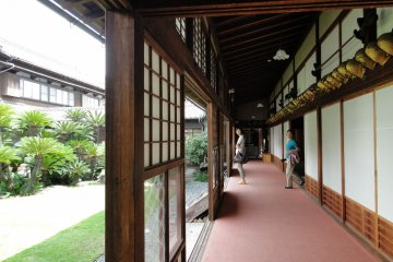 <p>A corridor leading to the main Japanese-style building</p>