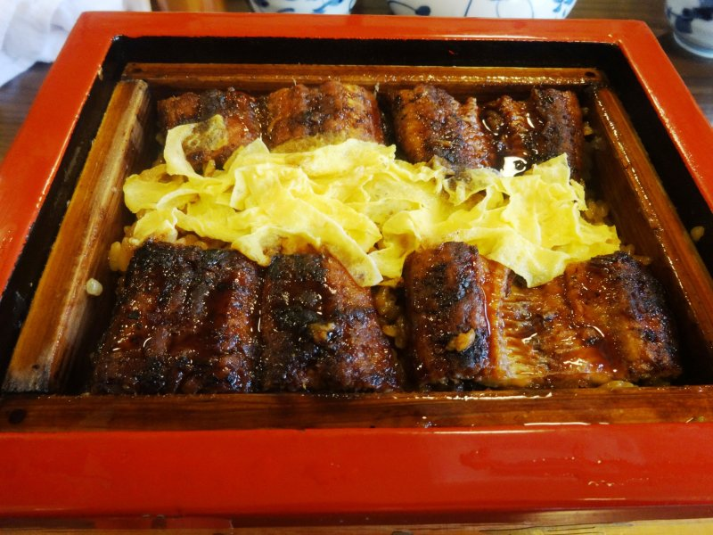 <p>Seiromushi, or steamed eel, a Yanagawa specialty</p>