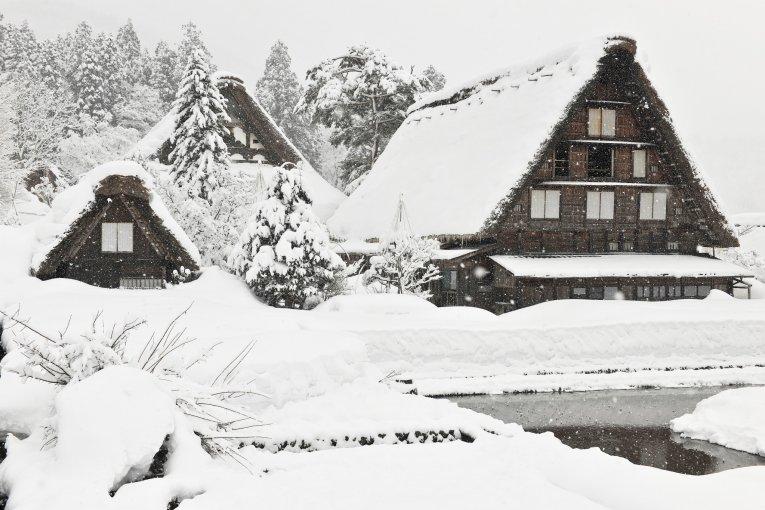 Chùa Myozen ở làng Shirakawa-go