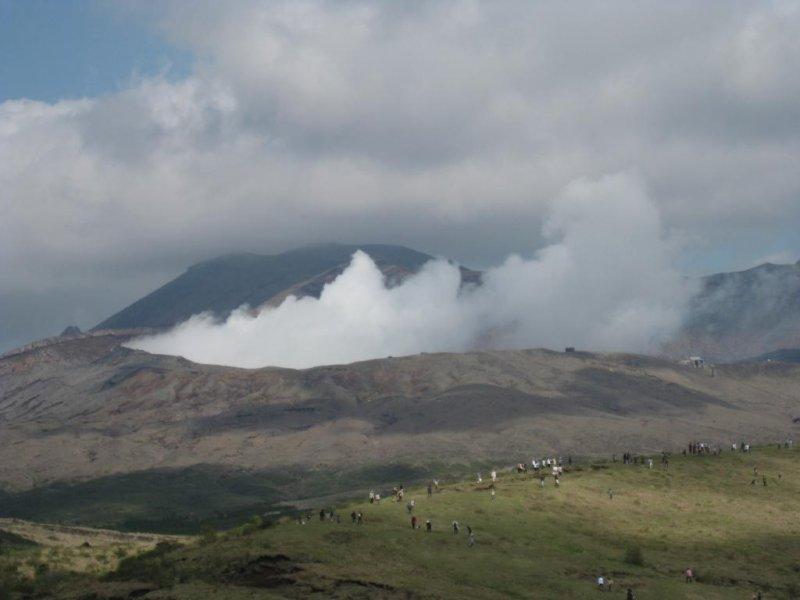 공기에 방출된 유독 가스 구름