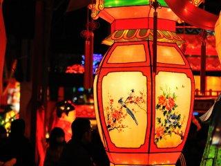 長崎燈会、灯りが入るのを眺めるのはこの日が初めて