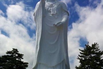 Будда, размером с Годзиллу, вошел в ТОП 10