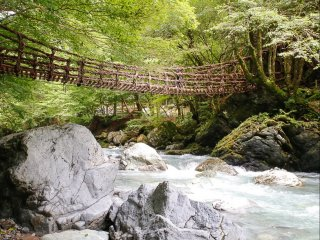 Oku-iya Kazurabashi (mountain vines) bridge over the river