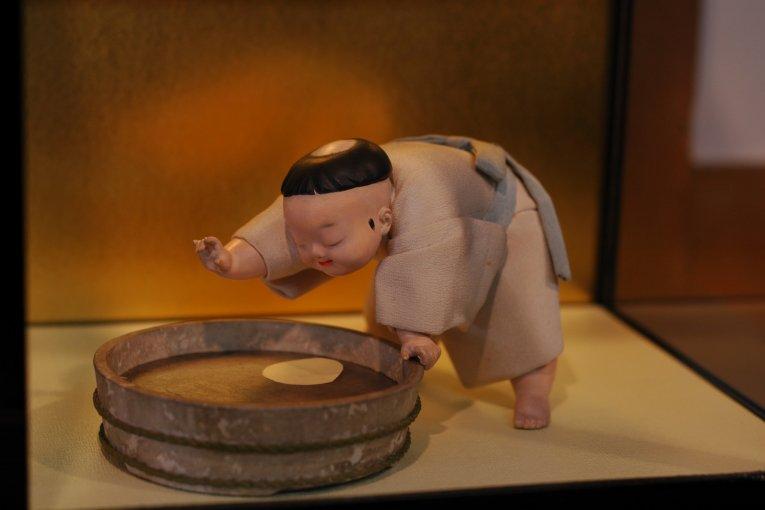 การจัดแสดงตุ๊กตาฮินะอันตระการตา