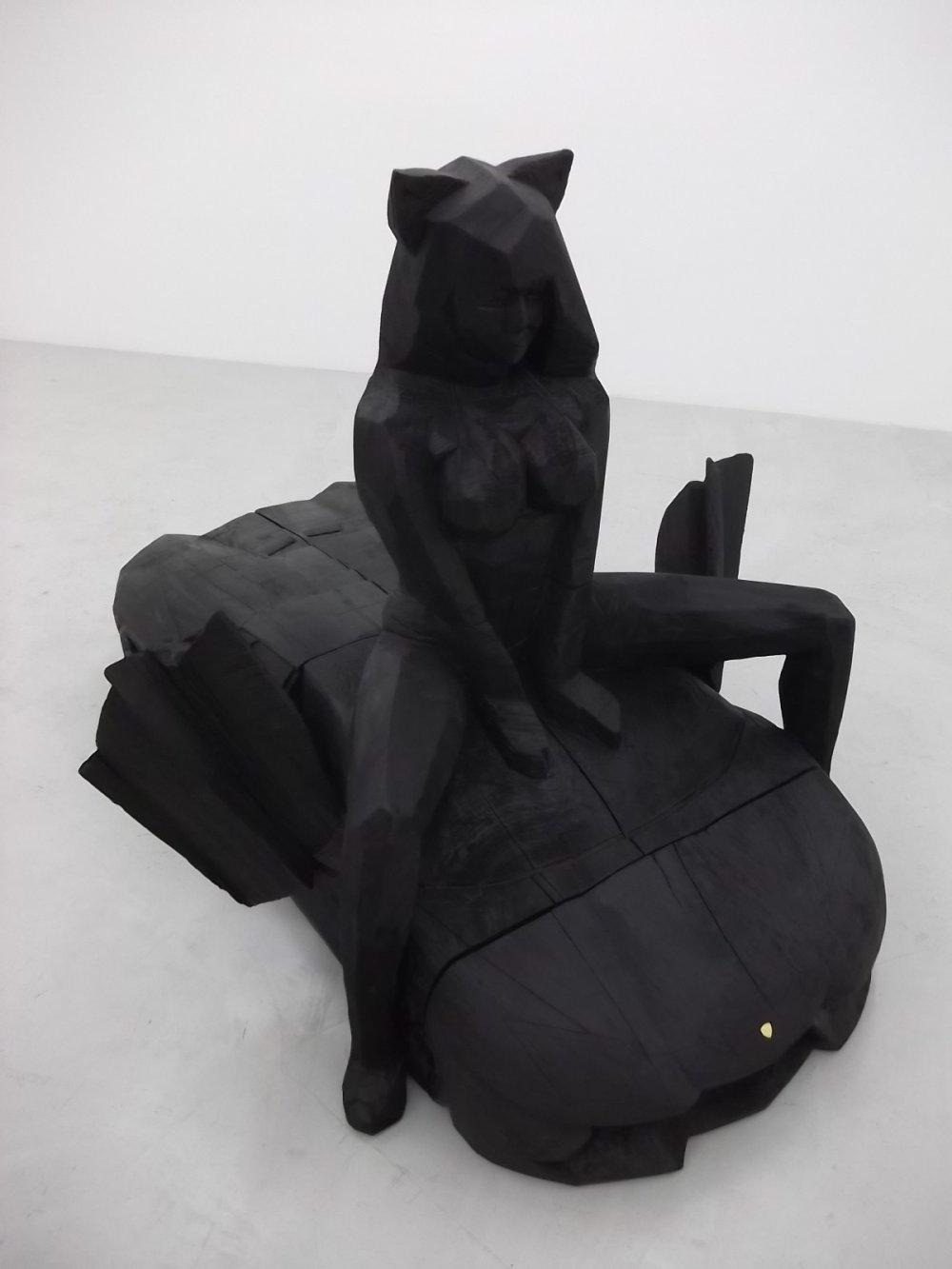 Tôi quên mất tác phẩm điêu khắc này là của ai