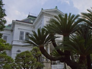 The Ohana Estate inlcudes the mansion as well as a museum, restaurants, a hotel, shops, and a Japanese garden