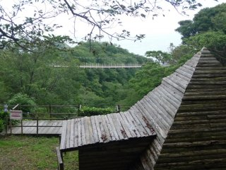There are various outdoor observatory decks on the Hill of Flowers and Birds.