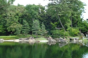 Tokugawa-en pond