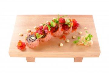 <p>Sushi roll</p>