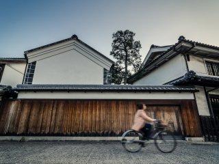 Traverser le quartier à vélo constitue un court mais agréable trajet
