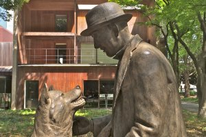 The legendary loyal Akita is finally reunited with his Master, Professor Hidesaburo Ueno, at the Department of Agriculture inside the University of Tokyo. Unveiled March 9, 2015.