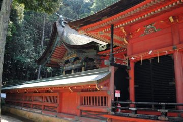 Side-view of the main shrine building