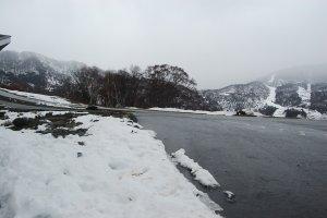 Salju di kota Yuzawa pada awal bulan Desember