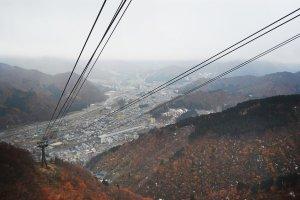 Pemandangan kota Yuzawa dari ropeway