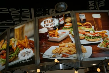 <p>Burgers, beer, and side dishes!</p>